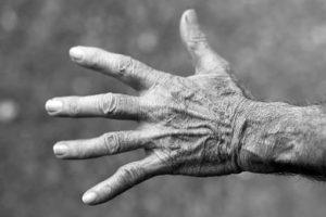 hand, old man, wrinkles